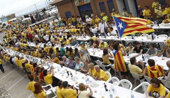 Puigdemont responde a Montoro que el independentismo genera superávit