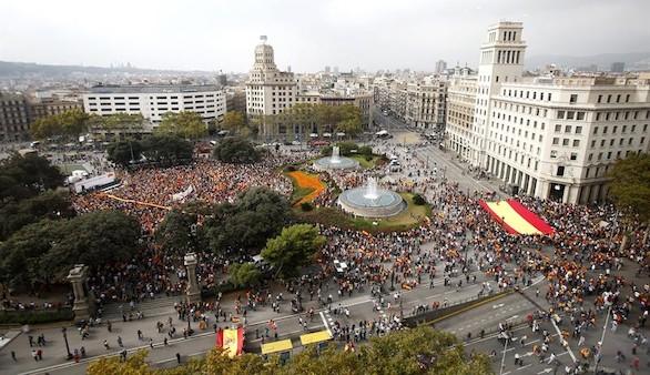 Más de 4.000 catalanes, contra la independencia en Barcelona