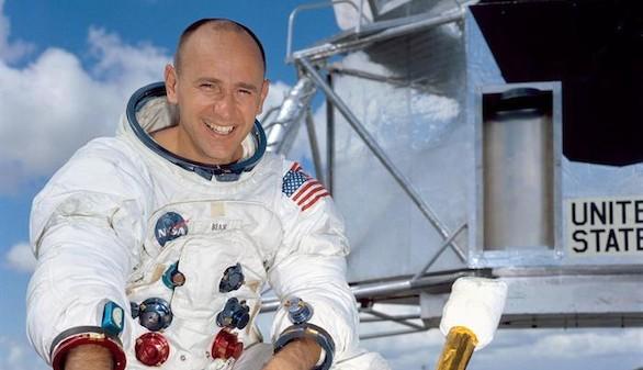 Fallece el astronauta Alan Bean, el cuarto hombre en pisar la Luna