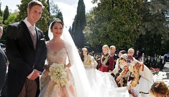 La Reina Sofía asiste a la boda del príncipe de Albania Leka II