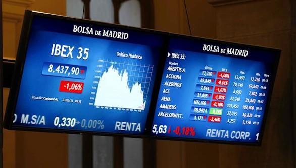 La Bolsa baja el 2,51 % y pierde el nivel de los 8.400 puntos