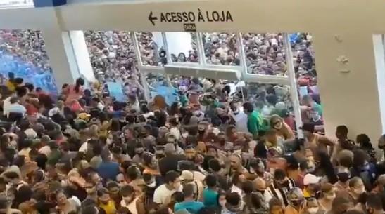 Polémica en Brasil por la multitudinaria apertura de un centro comercial en Belén