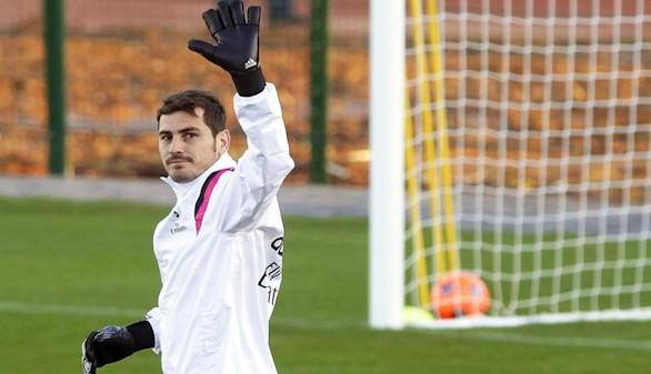 El culebrón toca a su fin: el Real Madrid traspasa a Casillas al Oporto