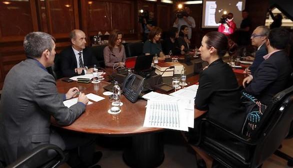 El Gobierno canario rompe con el PSOE y cesan sus 4 consejeros