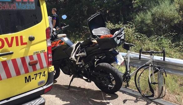 Muere un ciclista tras chocar con una moto durante una bajada
