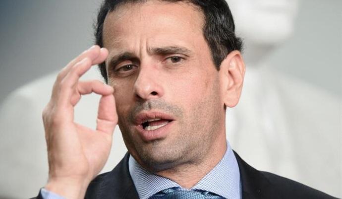 Capriles anuncia que ha sido inhabilitado durante 15 años