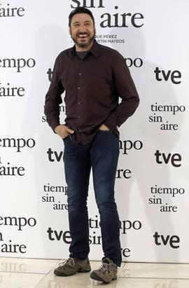 Carmelo Gómez durante el photocall en Madrid de la película 'Tiempo sin Aire' (Foto: Efe)