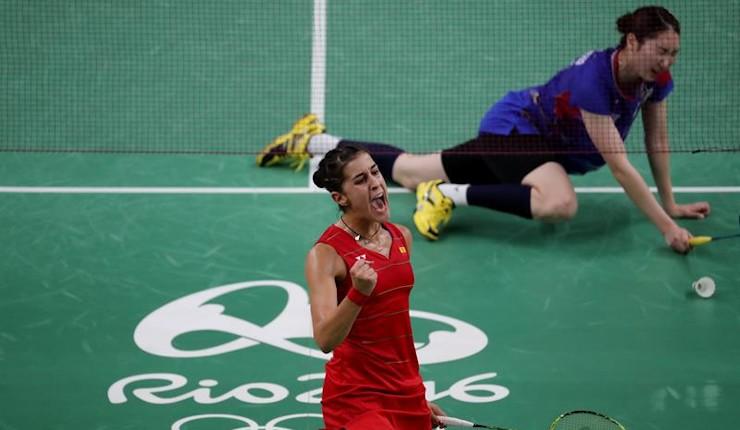 Marín barre a Sung Ji y luchará por las medallas