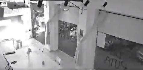Atacan con cócteles molotov la sede de Podemos en Cartagena