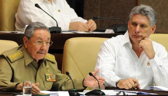 Cuba vota para abrir paso a una nueva generación castrista