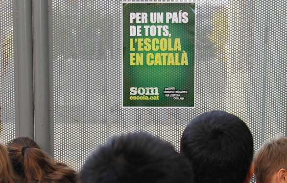 Cae el uso social del catalán y aumenta la presión jurídica