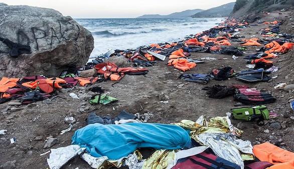 Al menos once muertos en un naufragio ante la isla griega de Samos