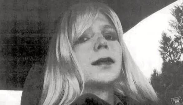 Manning logra que el ejército asegure su cambio de sexo