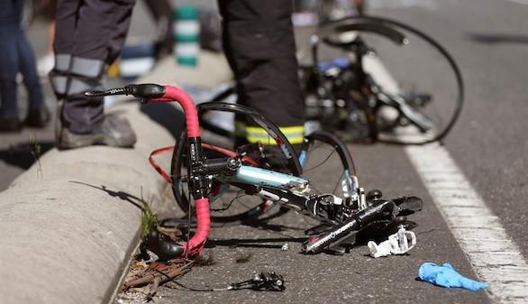 Un hombre mata a un ciclista y deja a otros siete heridos