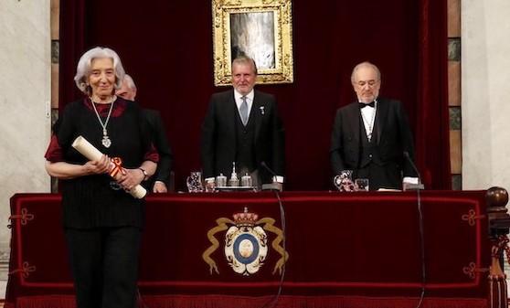 Clara Janés ingresa en la RAE con un discurso sobre el Cantar de los cantares