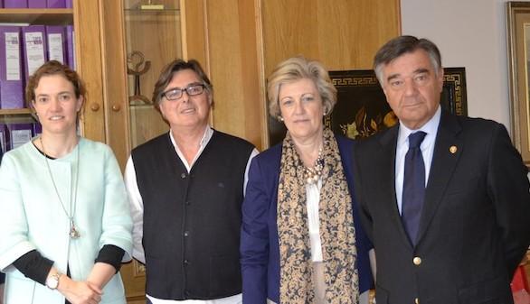 Los farmacéuticos de Madrid reciben al presidente de Farmamundi
