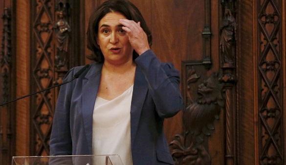 Colau dice ahora que no cederá locales municipales para el referéndum