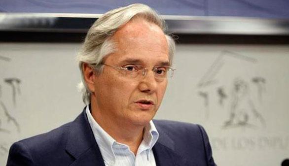 El PP propone a Gómez de la Serna que no entre en su grupo en el Congreso