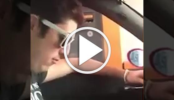 Vídeos virales. Un conductor hace su guerra al independentismo en los peajes