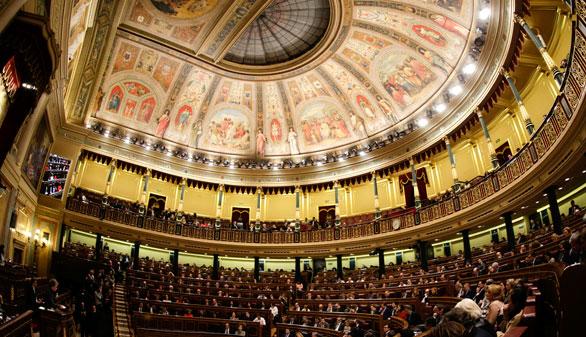 Por primera vez, el Congreso celebra plenos sin Gobierno