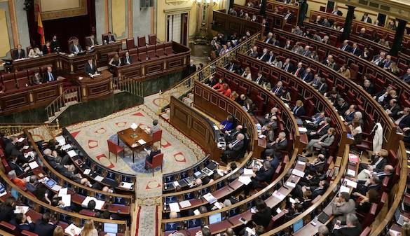 PSOE y Podemos exigen al Gogierno derogar la reforma laboral
