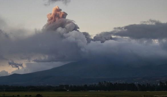Alerta en Ecuador por el posible despertar del volcán Cotopaxi