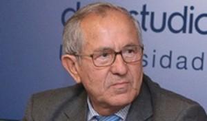 El catedrático Cuenca Toribio publica su nuevo libro 'Historia y Actualidad 6'