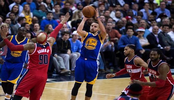 Curry consigue 51 puntos y 11 triples en la victoria de los Warriors