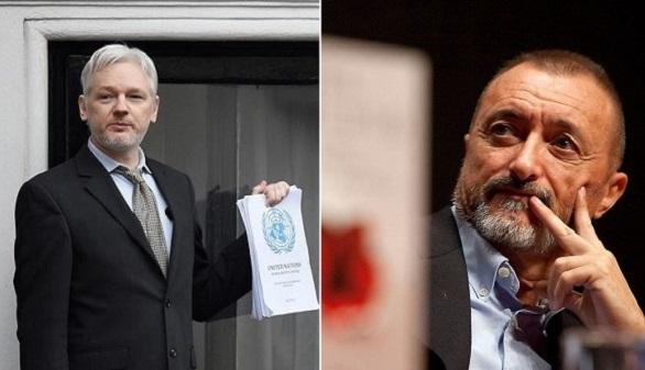 Pérez-Reverte se enzarza con Assange a cuenta del referéndum catalán