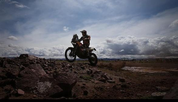 Peugeot y KTM dan el golpe en el Dakar