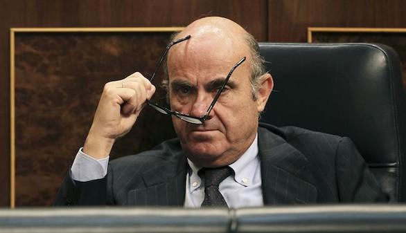 Lío entre el Gobierno y Pastor por De Guindos en el caso Soria