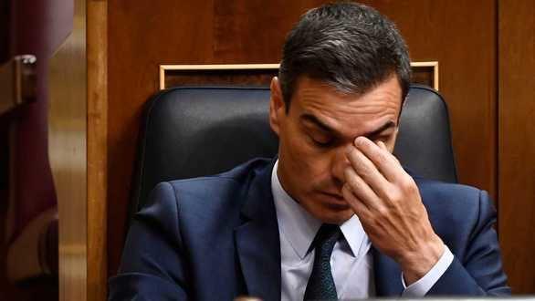La investidura de Pedro Sánchez fracasa por la abstención de Podemos.