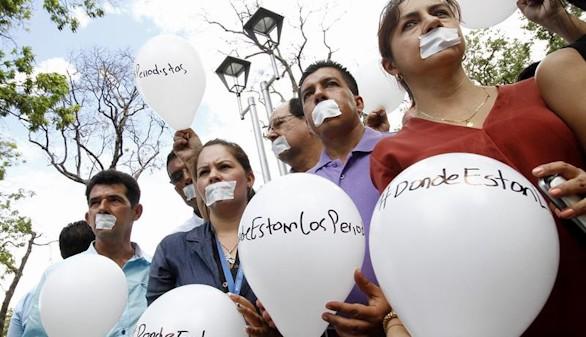 Denuncian la desaparición de dos periodistas más en Colombia
