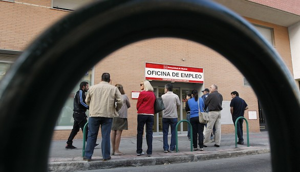 Nuevo récord de caída del desempleo: 117.985 parados menos en mayo