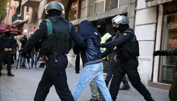 Detenido en Pamplona un hombre que planeaba enrolarse en EI