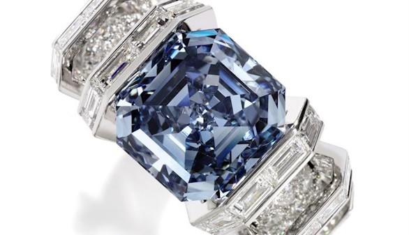 Sotheby´s presenta en sociedad el diamante Sky blue, valorado en 22,5 millones de euros