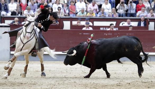 Feria de San Isidro. Un pletórico Diego Ventura repite salida a hombros