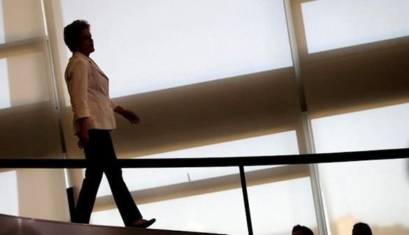 Rousseff, apartada del poder por corrupción