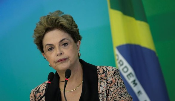 El Senado brasileño abre el trámite para el juicio que podría costar el cargo a Rousseff