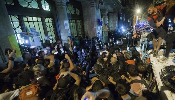 La Fiscalía denuncia por sedición los disturbios en Cataluña
