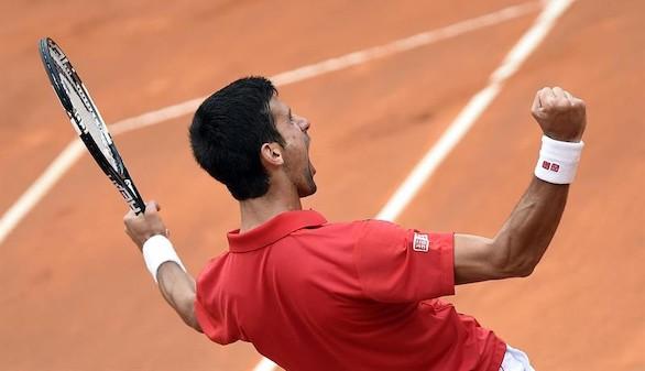 Djokovic se impone en un intenso duelo a Nadal