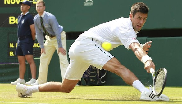 Wimbledon: Djokovic aparta a Tomic de su camino hacia la defensa del título