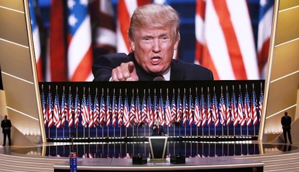 Trump pierde los papeles: