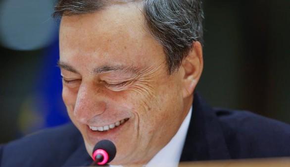 Draghi, dispuesto a todo para que suba la inflación