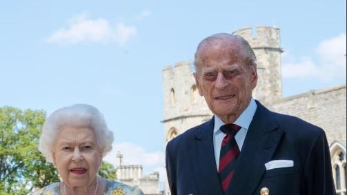 El duque de Edimburgo, marido de Isabel II, cumple 99 años