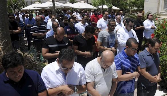 Egipto rinde homenaje a las víctimas del MS804