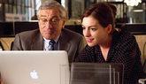 Robert De Niro y Anne Hathaway protagonizan 'El becario'