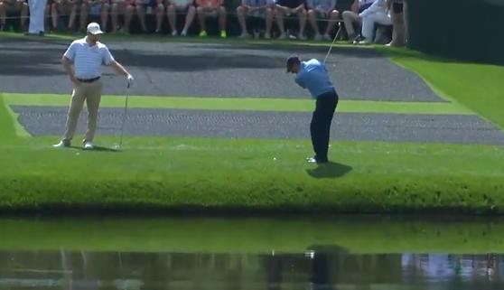 El increíble golpe de '6 ranas' del golfista Olazábal