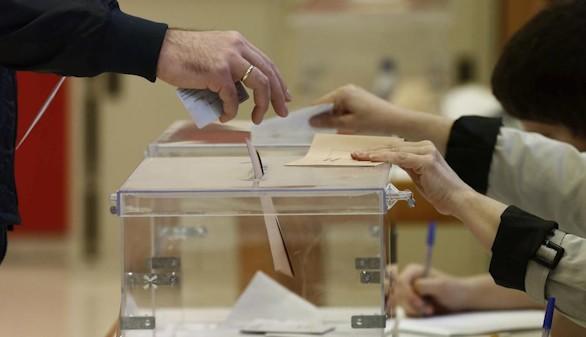 El PSOE busca la fórmula para que unas terceras elecciones sorteen el día de Navidad