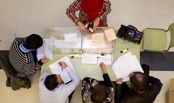 Las solicitudes para votar por correo aumentan un 56 por ciento